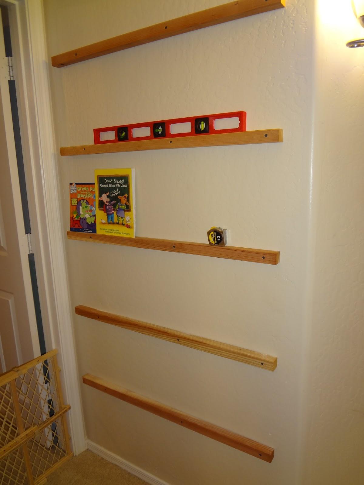 Impossibly Un-Crafty: Childrens Forward Facing Bookshelf