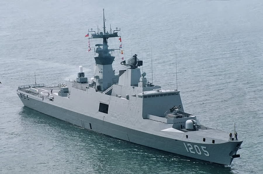 Kang+Ding+class+frigate.jpg
