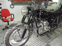 Moto Guzzi V7 by Ruote Rugginose