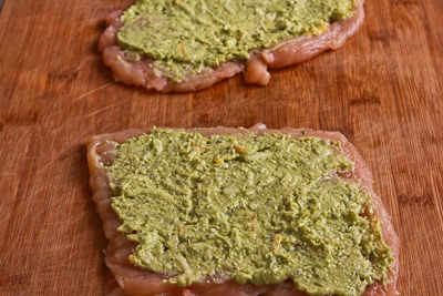 Low-Carb Baked Chicken Stuffed with Pesto and Cheese ...