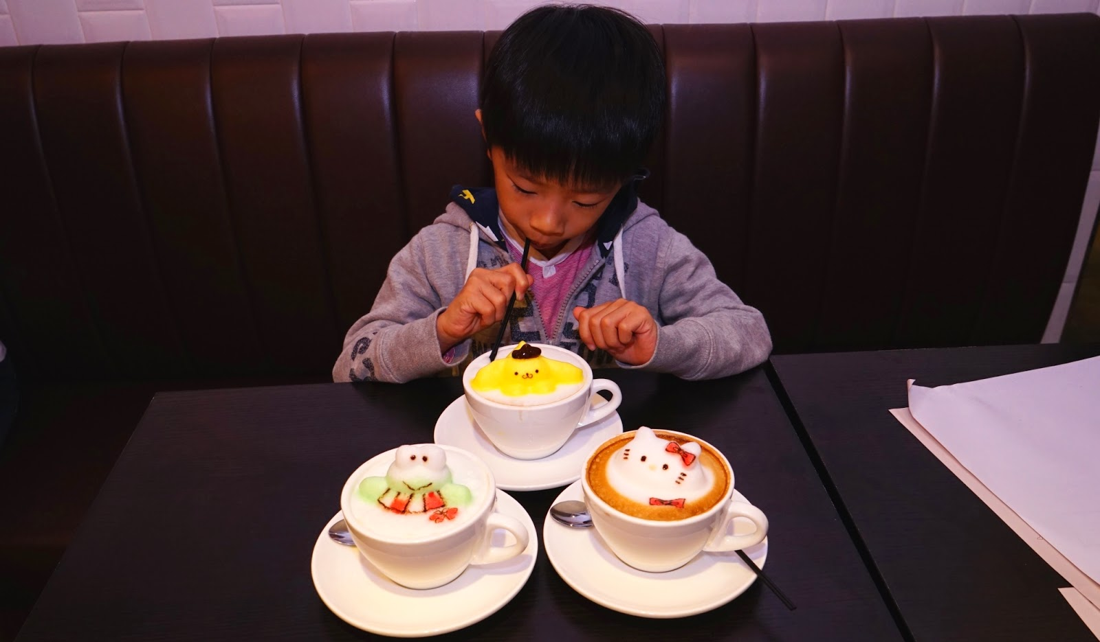 香港 新蒲崗 Mikiki Karena Cafe 3D拉花 咖啡 晚餐 Cappuccino 布甸狗 Hello Kitty Keroppi