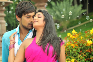 Hari Priya Romances Varun Sandesh in movie Ee Varsham Sakshiga Movie Cute Pics