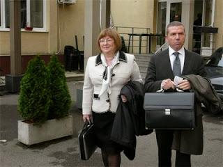 Съпругата на Цветан Василев се яви на разпит в следствието