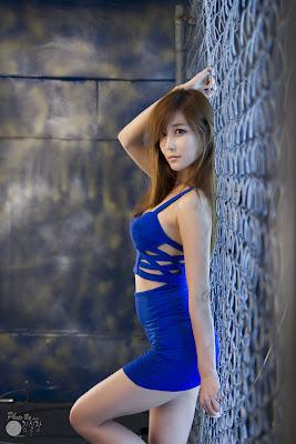 Choi Seul Ki Sexy Model in Blue