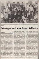 De honderdjarige Alfons Robben omringd door zijn familie