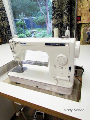 Juki TL 2010 sewing machine