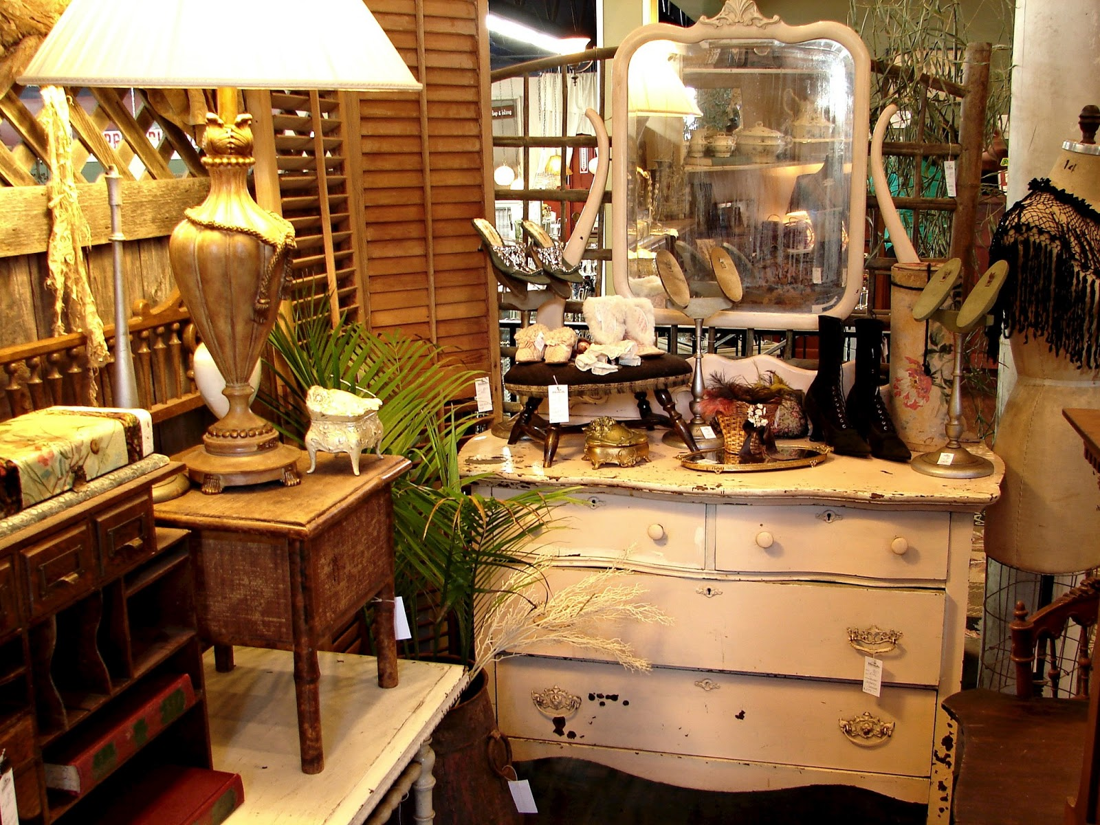 Man Cave Store Portland : Monticello antique marketplace shop therapy