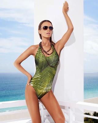 Aurelia Gliwski hot model Zeki Triko sexy bikini