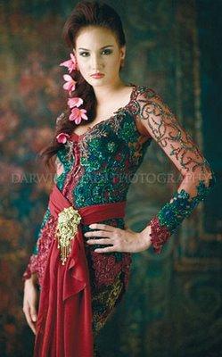 Model kebaya Anne Avantie 2014 | Fozi Fashion
