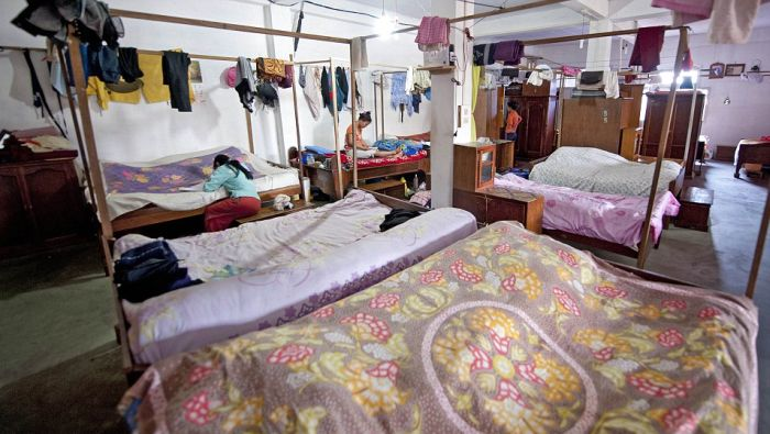It Has More Than One Hundred Bedrooms. Wife Sleep With Their Common Husband  In Turn. At What Most Young Have An Advantage Over Those Who Are Older.