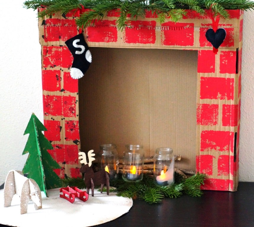 Getting into the christmas spirit some diy decorations huisje diy christmas fireplace solutioingenieria Gallery
