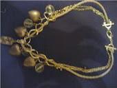 colar dourado c pingentes