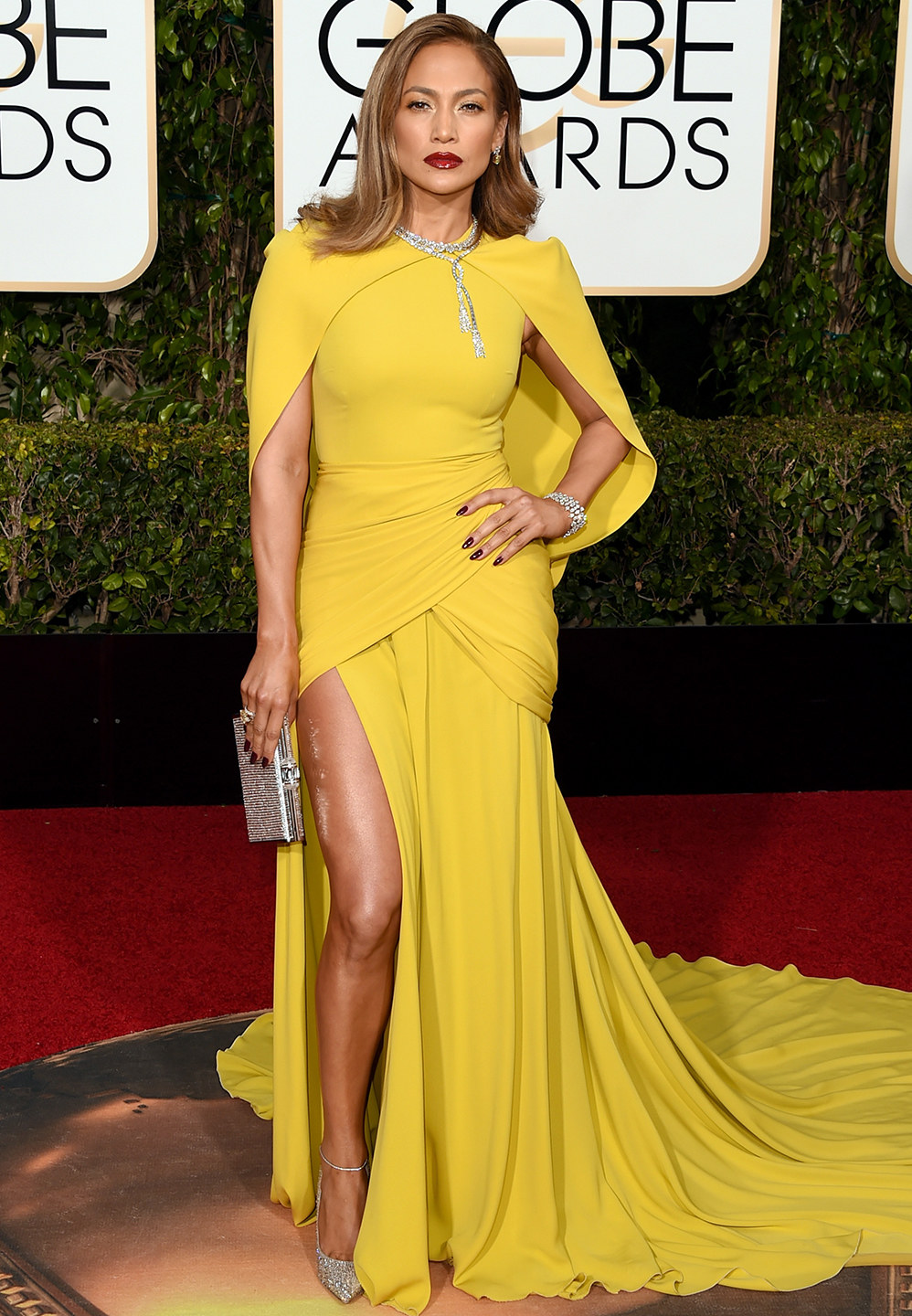 Queen Latifah Fakes Awesome the view from behind home plate: golden globes recap: bump-its
