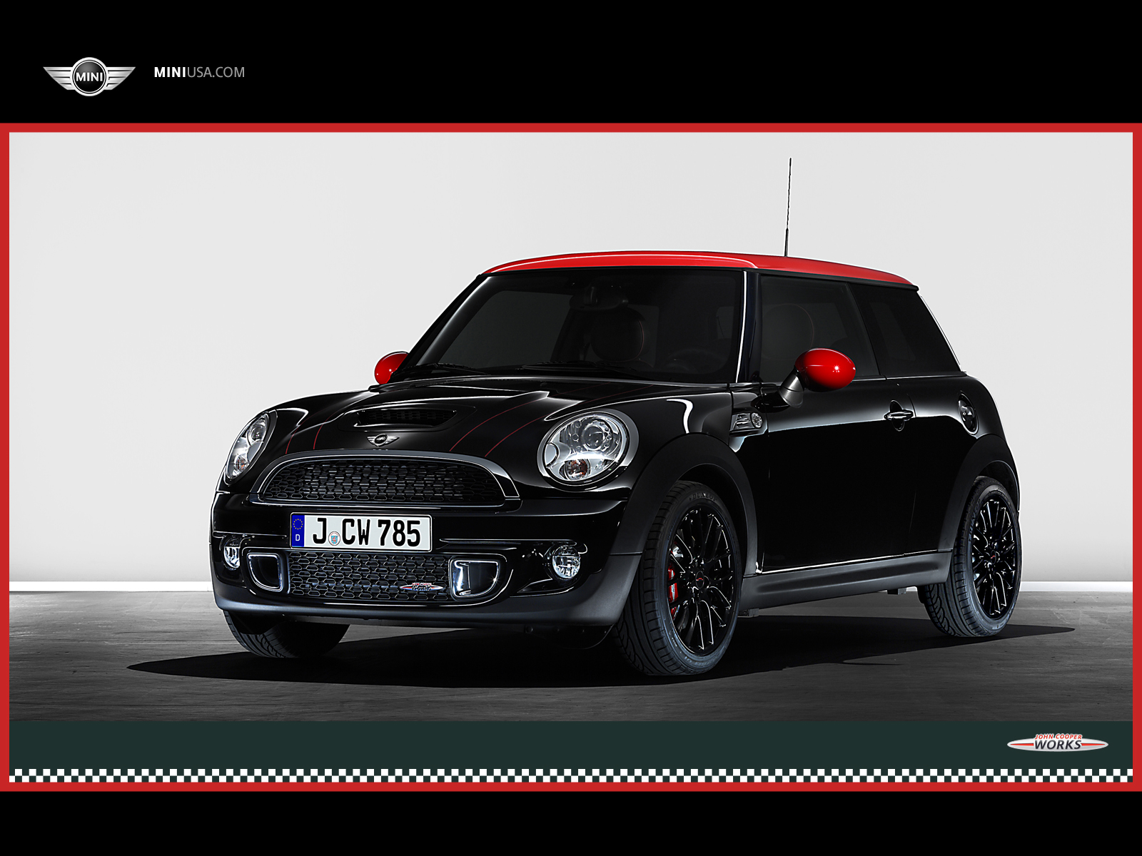 http://1.bp.blogspot.com/-DbM3ZKlhU2A/UI0eQxafMvI/AAAAAAAAGRI/E7eHnx0PQ2M/s1600/BMW-MINI-Hard+Top-JOHN_COOPER_WORKS-exterior-front-side-view-black-red-roof.jpg