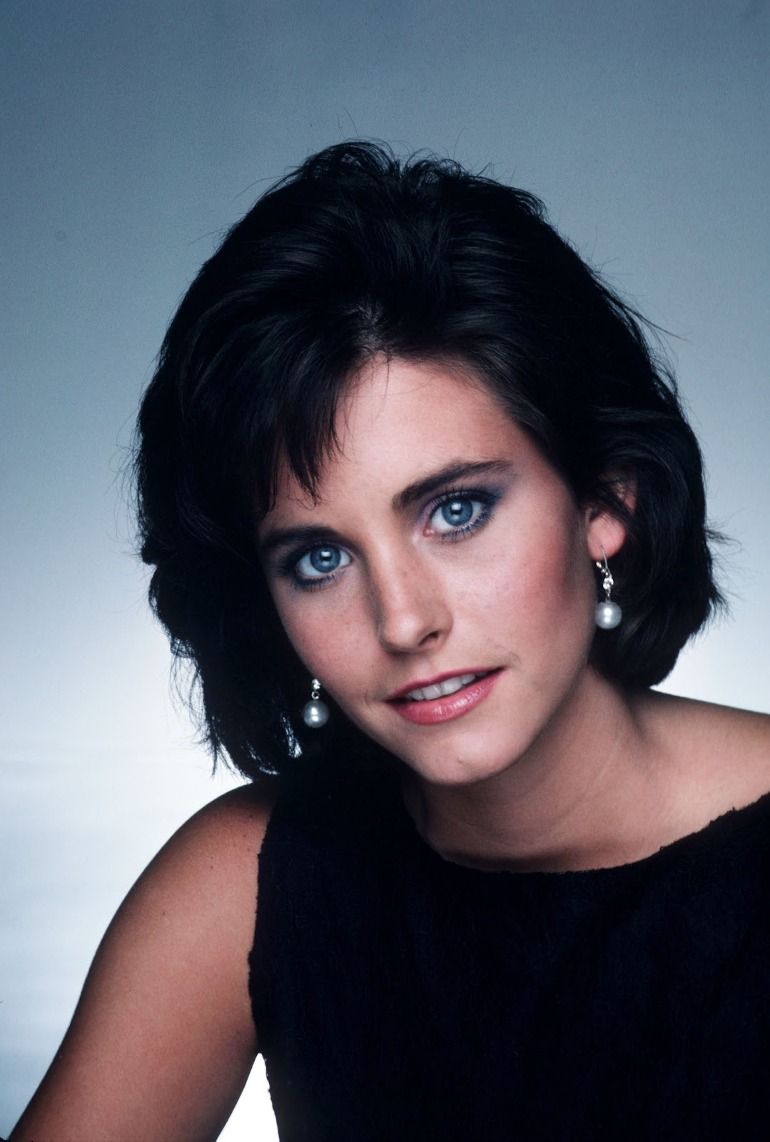 young celebrity photo gallery young courteney cox photos