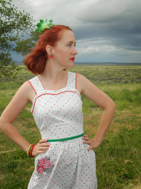 Hand painted bows 1940s 40's bakelite vintage blogger outfit Just Peachy, Darling
