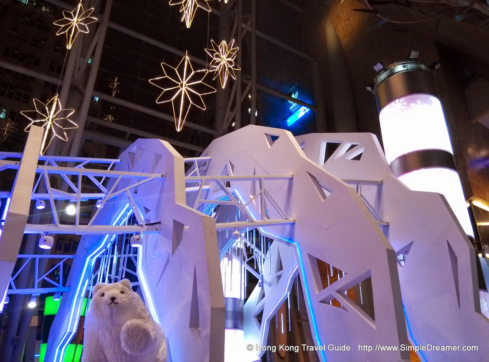 http://www.simpledreamer.com/2014/12/the-iceberg-christmas-at-langham-place.html