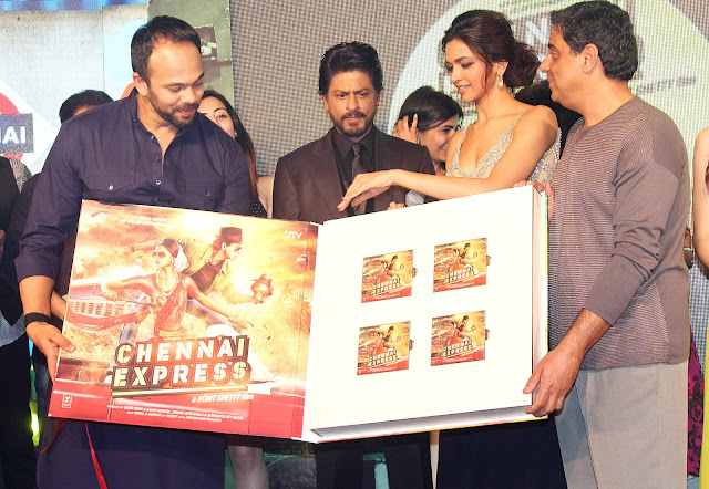 Rohit Shetty, Shah Rukh Khan, Deepika Padukone and Ronnie Screwvala1