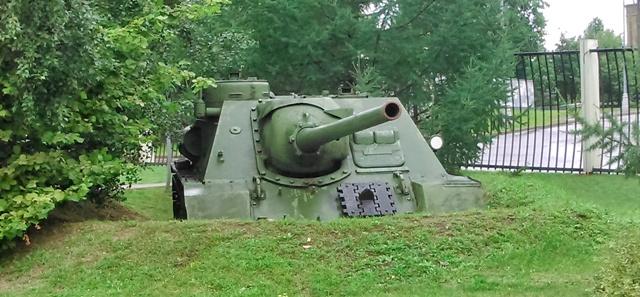 Tanque casi enterrado