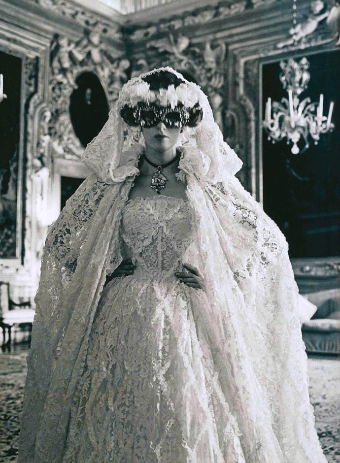La maison sartorie d 39 amber vogue italia september 2013 for Dolce and gabbana wedding dresses