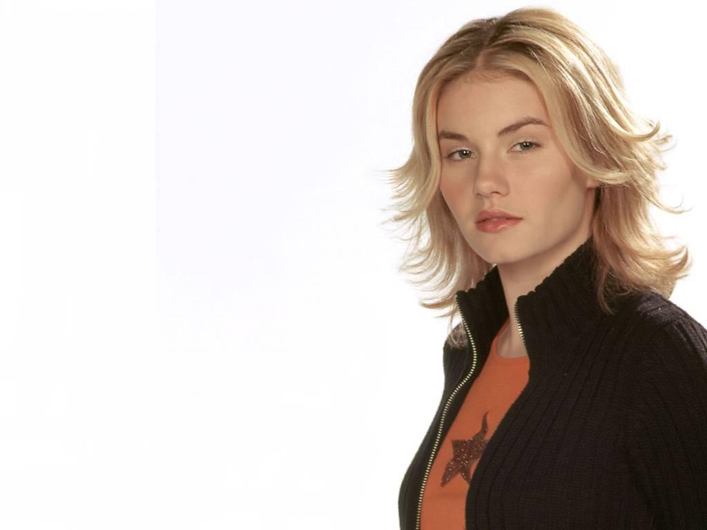 http://1.bp.blogspot.com/-DddBpRULRUY/TYN67l1Z3EI/AAAAAAAABX4/70iA75Akt30/s1600/actress_elisha_cuthbert_hot_wallpaper_02.jpg