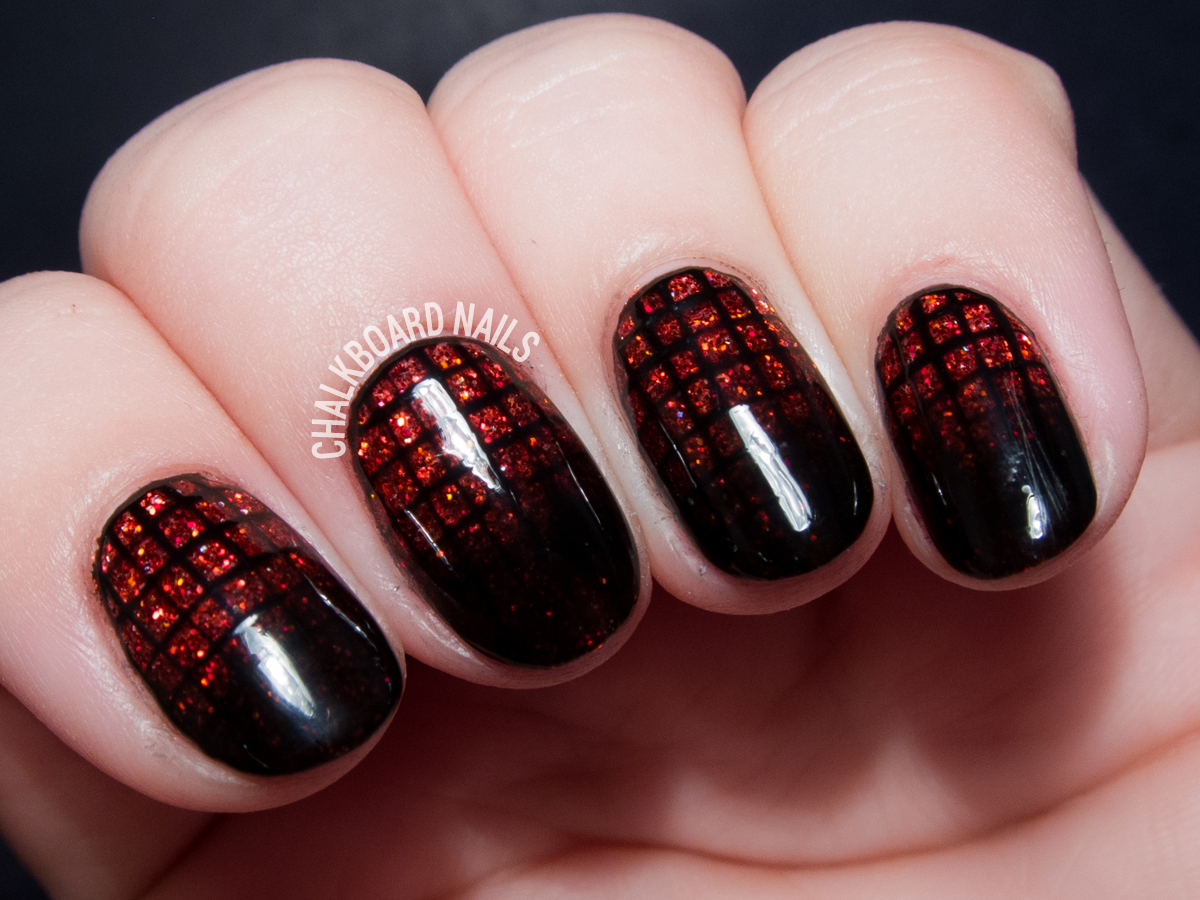 Garnet Glittering Gradient Grid Gels by @chalkboardnails