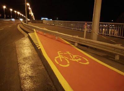 kerékpárút, biciklisáv, Sepsiszentgyörgy, Budapest, Petőfi-híd,