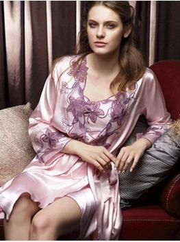 Pijama rom ntico en rosa linda ropa interior for Chicas en ropa interior sexi