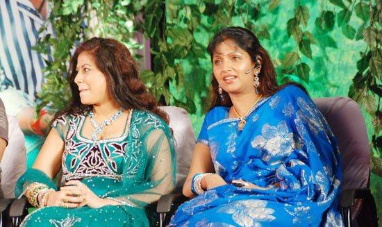 puvaneswari in saree cute stills