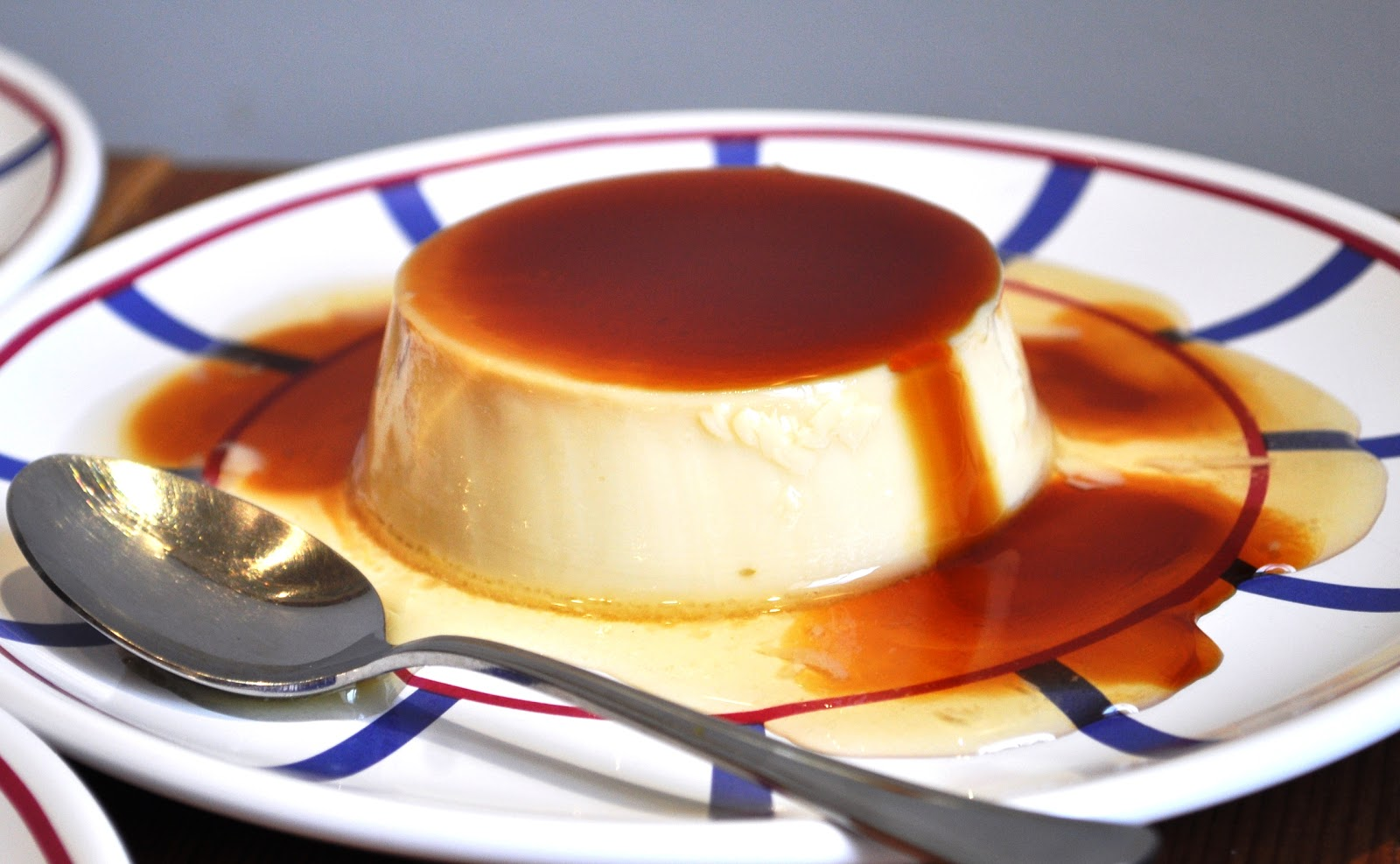 caramel custard pots de creme chocolate caramel tart with drunken ...