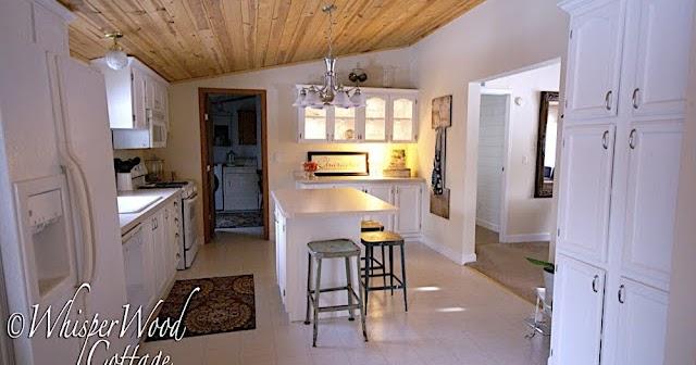 Boiserie c cucine soluzioni rivalutate con un occhio al budget - Soluzioni no piastrelle cucina ...