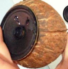 pemasangan speaker pada lubangnya