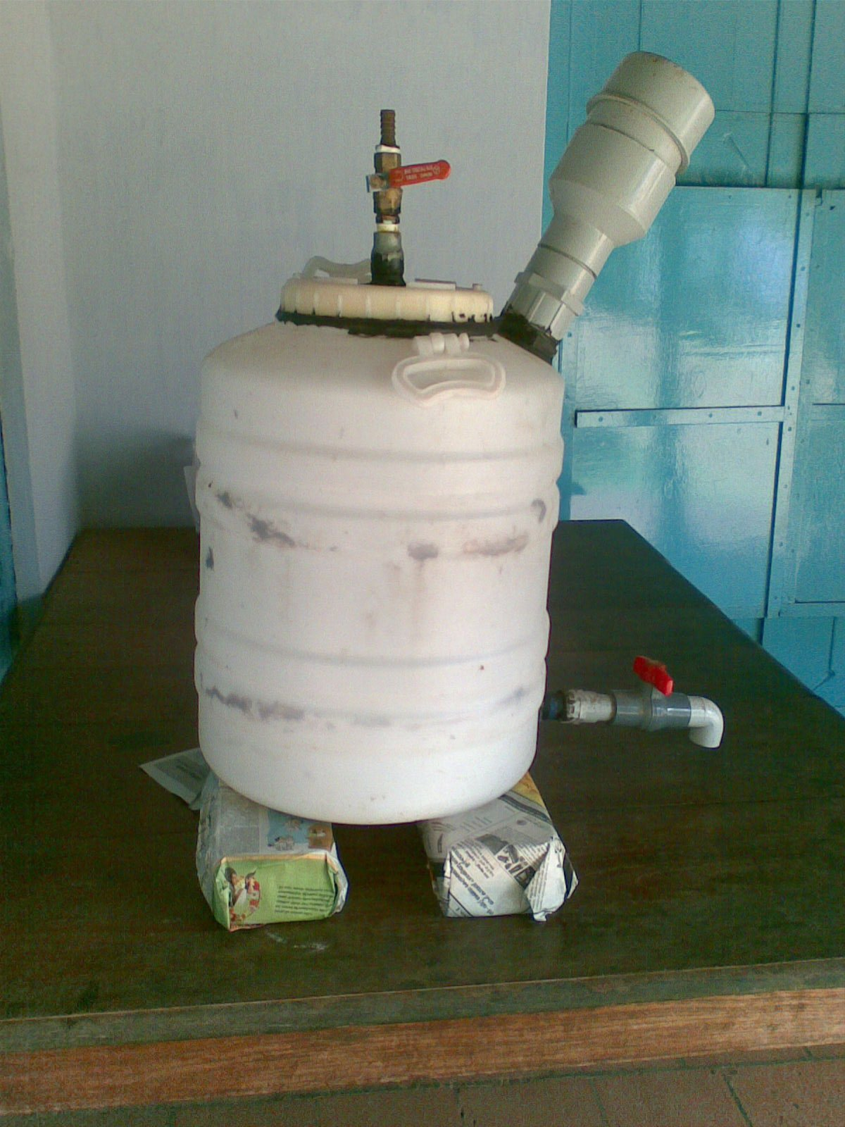 Mini Biogas Plant : Nicholson eco club bio gas plant working model which got