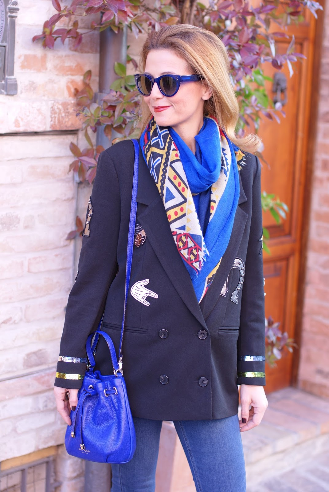 Vogos appliqued blazer and Nalì scarf on Fashion and Cookies fashion blog, fashion blogger style