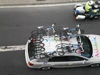 Vehículos con bicicletas de los equipos