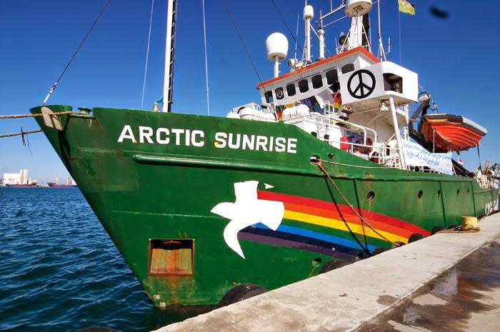 Arctic Sunrise, el barco de Greenpeace, retenido en aguas Canarias