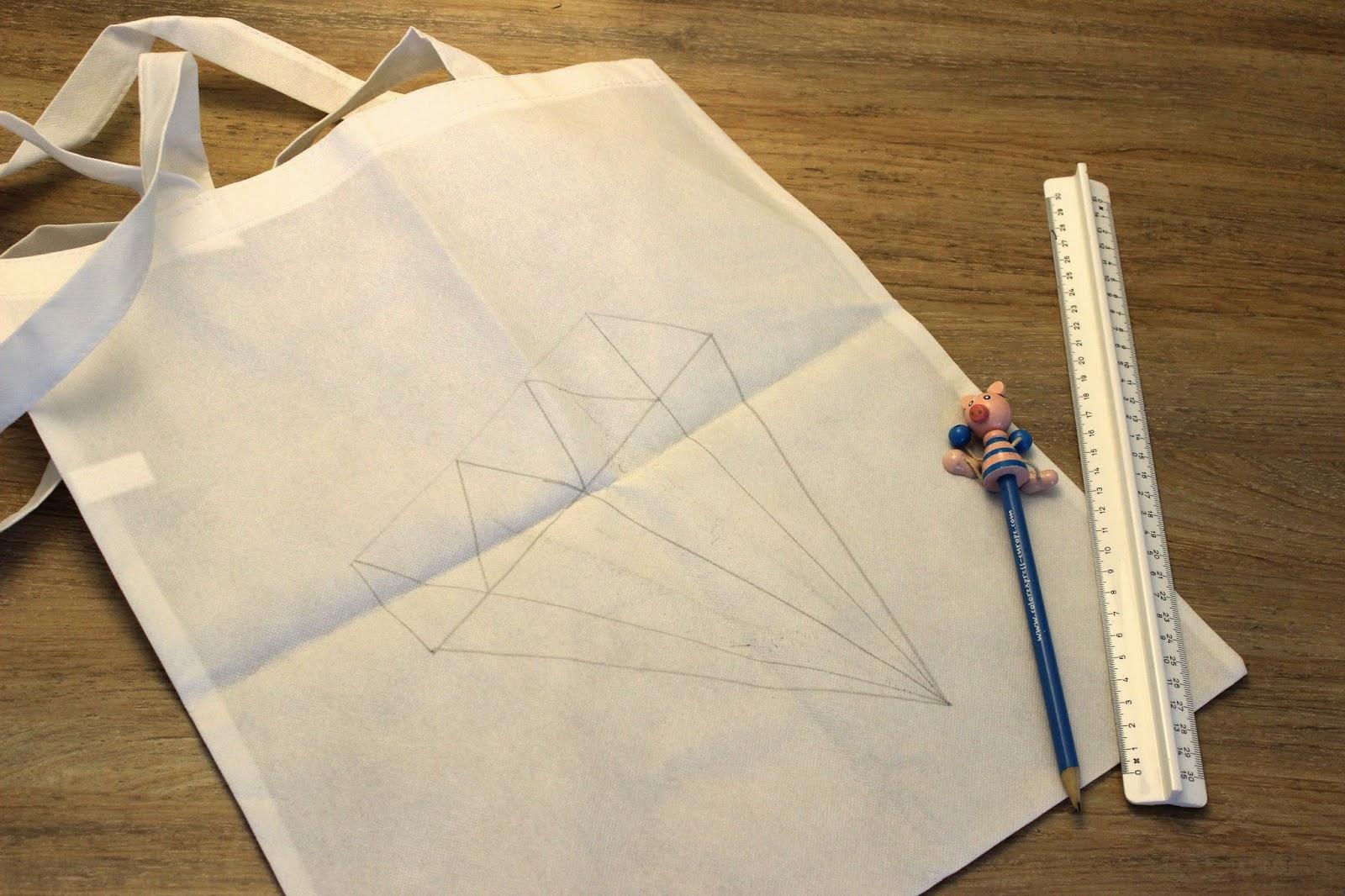 Zelf Tassen Ontwerpen : Maandagmorgenmodel diy tas versieren