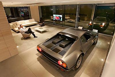 Гараж за $1,5 million для Ferrari 512 BBi 1984.