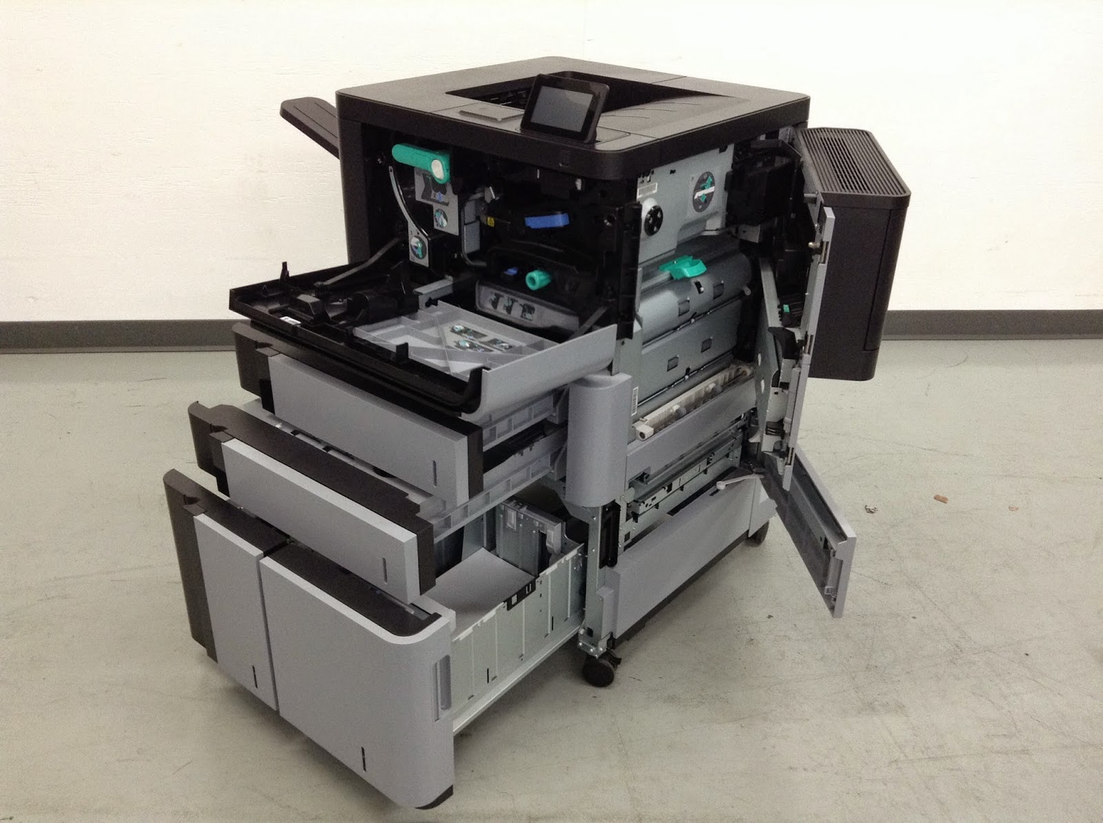 HP LaserJet M806x+