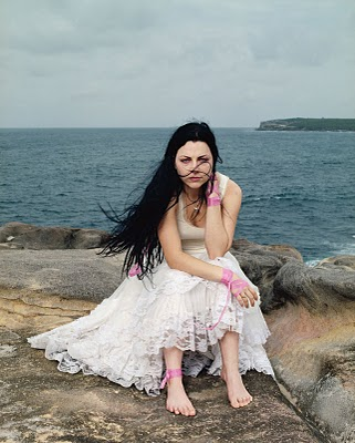 Amy Lee Feet , Leg and Shoes Picture