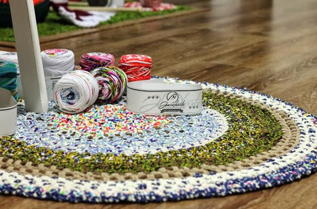 Tutorial diy alfombra xxl con cinta reciclada o trapillo por sacocharte sacocharte - Como hacer alfombras de trapillo redondas ...