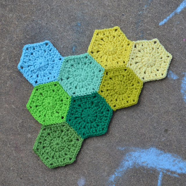 Crochet Patterns To Use Up Yarn : Crochet in Color: Hexagon Pattern