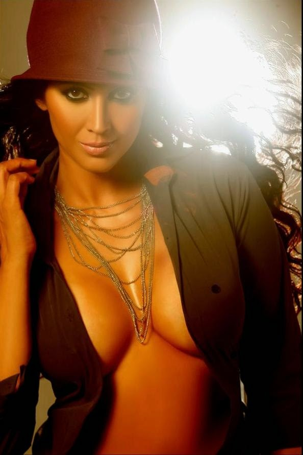 Kalpana Pandit Sizzling Hot Photoshoot Stills
