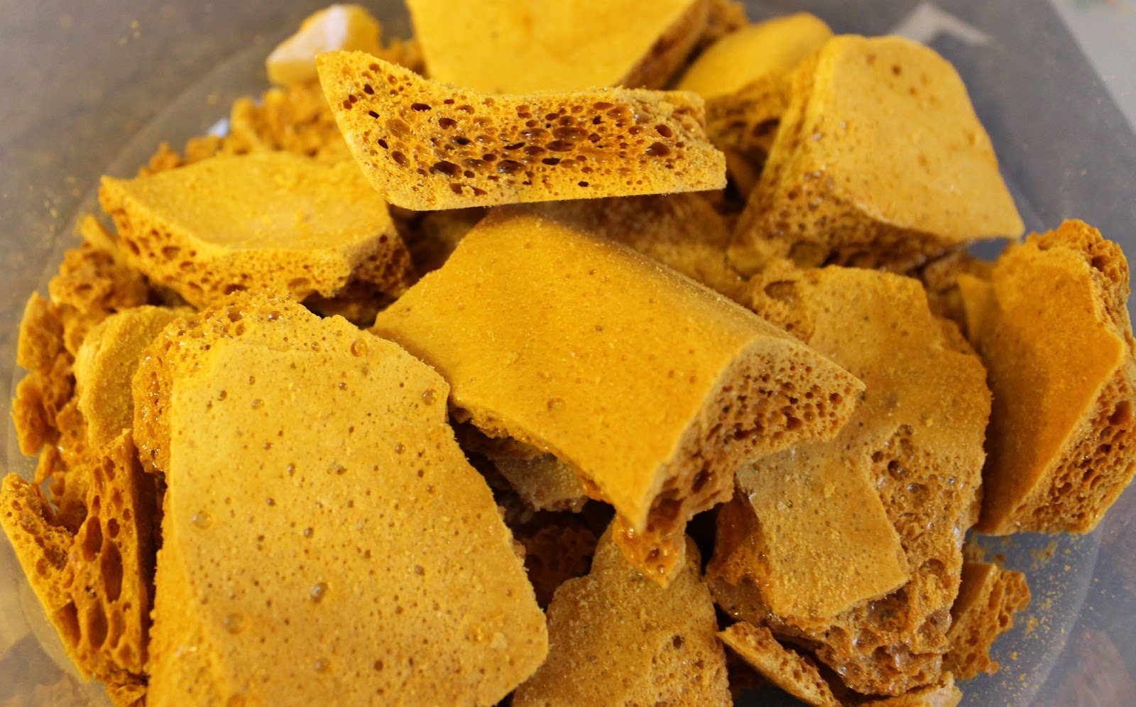 We Don't Eat Anything With A Face: Perfect Honeycomb/Cinder Toffee