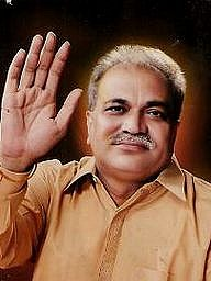 Nirmal Baba Is An Indian Spiritual Guru Who Is Por These Days For