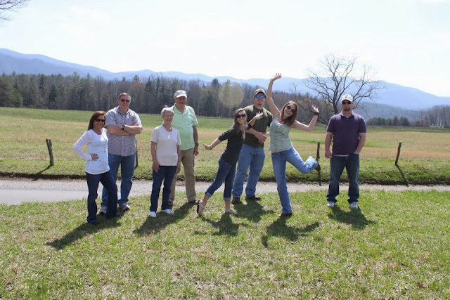 Cades Cove family pictures, things to do in gatlinburg