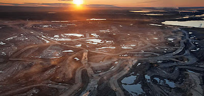 exploração de areias betuminosas no Canadá - foto de Peter Essick