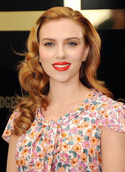 scarlett jonhson Strawberry blonde hair dye