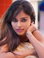 New actress Nandita Swetha dazzling pics-cover-photo