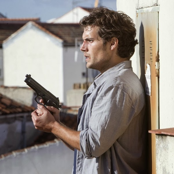 Henry Cavill em FUGA IMPLACÁVEL (The Cold Light of Day)